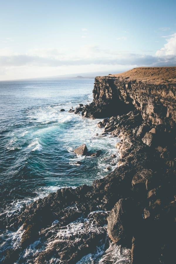 Cliff Edge im Südpunkt, Kona, Hawaii lizenzfreie stockfotos
