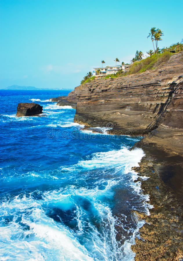 Download Cliff Near Spitting Cave Of Portlock, Oahu Stock Image - Image of beautiful, scenery: 20039959