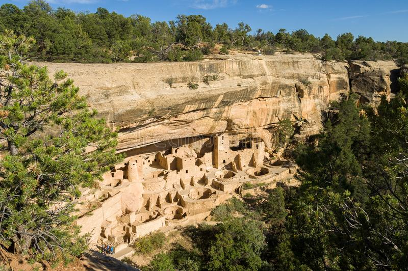 Cliff Palace Mesa Verde National parkerar arkivbild