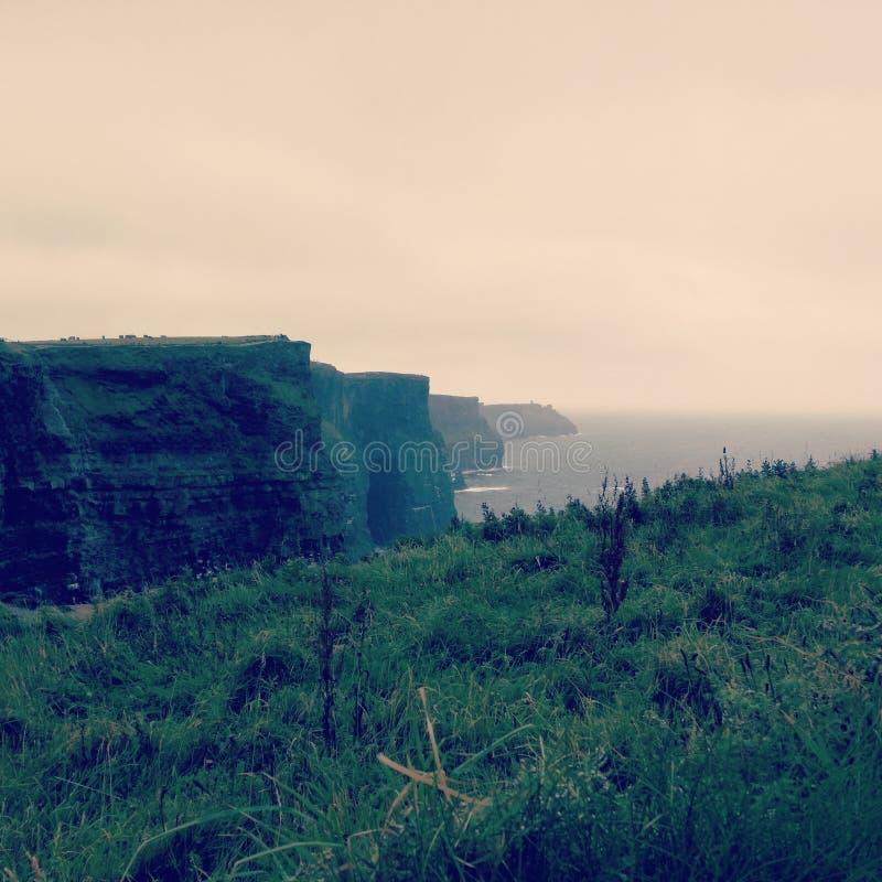 Cliff& x27; s des Mohärs - Irland stockbild