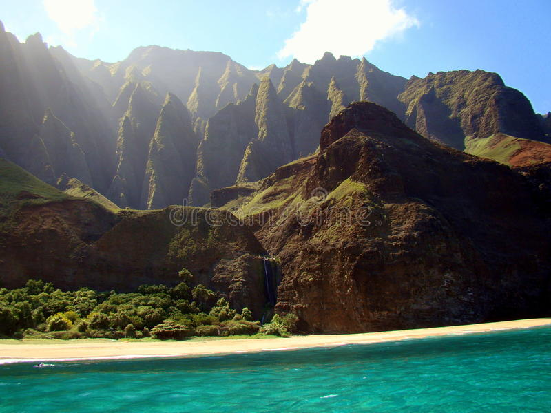 Cliffs on the Na Pali coast, Kauai Island, Hawaii royalty free stock photos