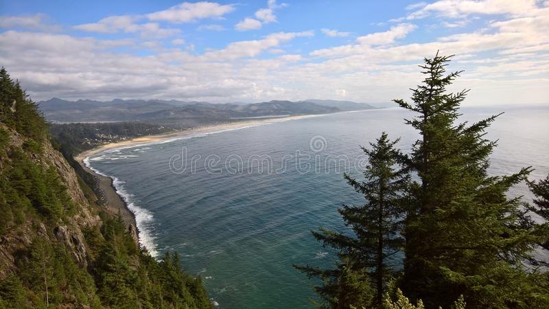 从clifftop的海岸 库存图片