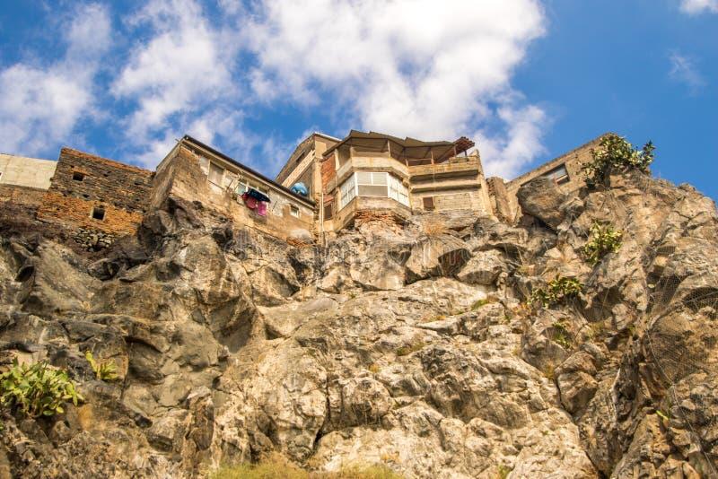 Clifftop-Häuser lizenzfreie stockfotografie