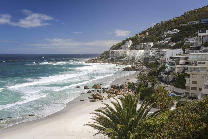 Clifton Beach Hotels em Cape Town imagem de stock