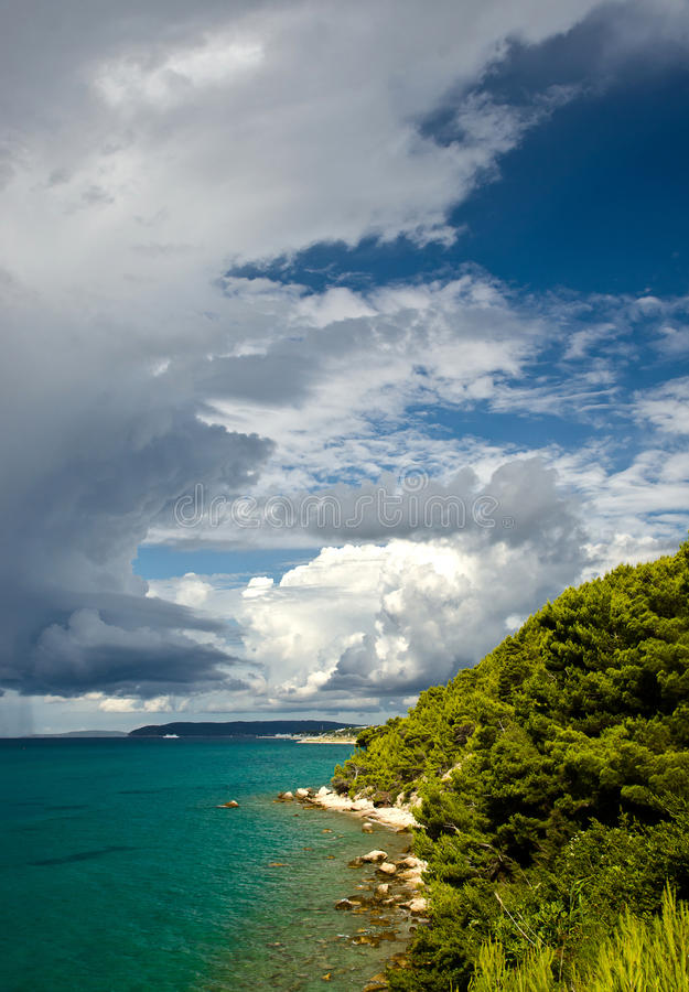 Clima De Tempestade Com Nuvens Escuras Foto de Stock Royalty Free