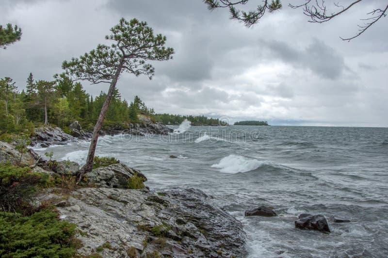 Clima tempestuoso en el lago Superior fotografía de archivo