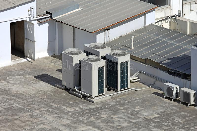 Climatiseurs de toit photos libres de droits