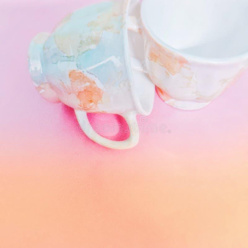 Clinking чашки стоковая фотография