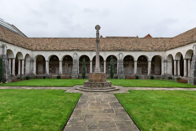 Cloître de guerre à l'université de Winchester, Winchester, R-U photos libres de droits