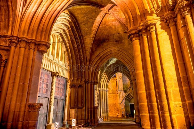Cloître du saint célèbre Sophie Cathedral (mosquée de Selimiye) photos stock