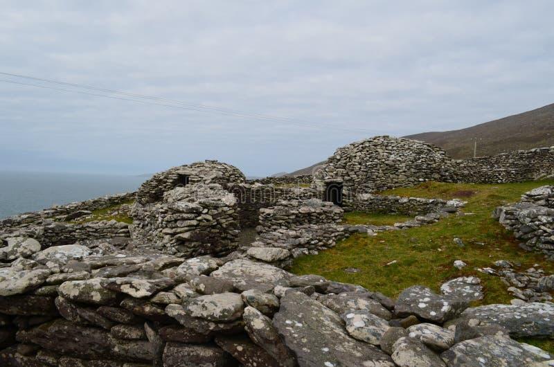 Clochan蜂箱小屋村庄在爱尔兰 库存图片