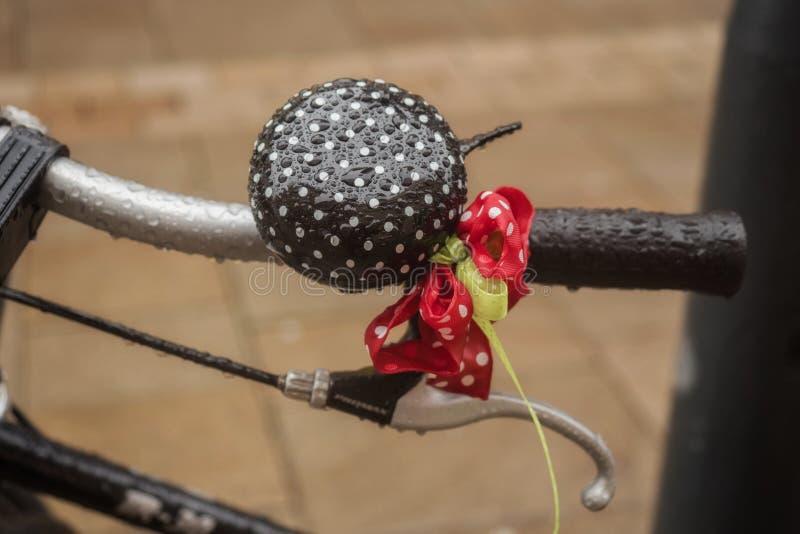 Cloche humide de vélo photographie stock libre de droits