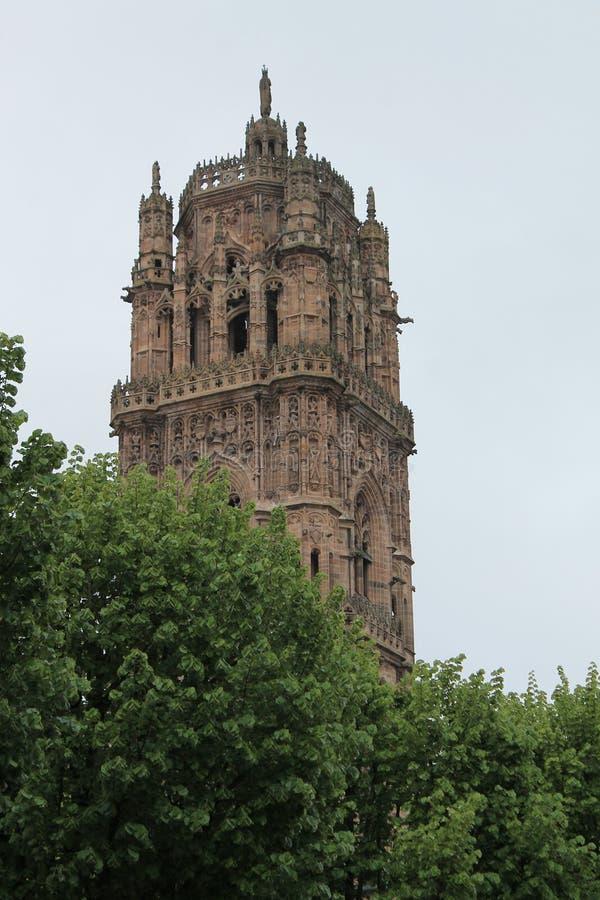 Clocher Cathedrale Notre-Dame, Rodez (Frankrike) royaltyfria foton