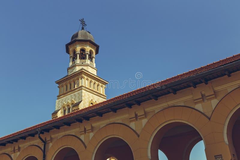 Clocher orthodoxe de cathédrale de couronnement, Alba Iulia, Roumanie photographie stock libre de droits