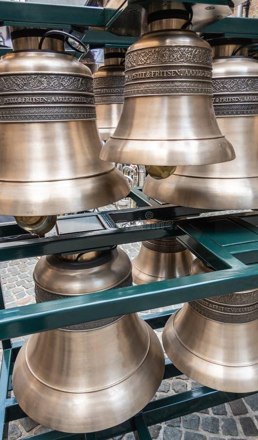 Cloches petites et de Fritsen de carillon à Bruges, Flandre, Belgique images libres de droits