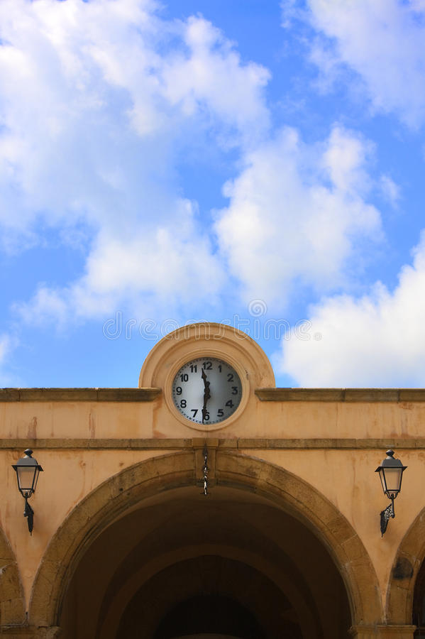 Download Clock In Cornice Royalty Free Stock Photos - Image: 10837238