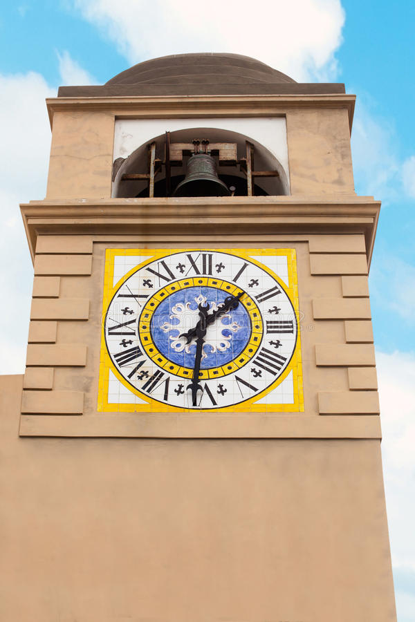 Clocktower在卡普里岛 免版税图库摄影