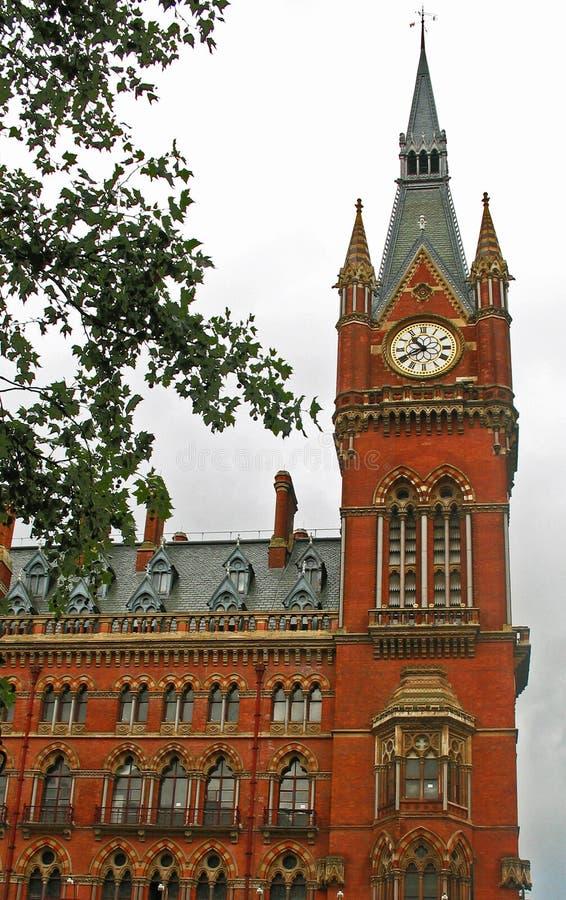 Clocktower da estação de comboio do St Pancras fotografia de stock