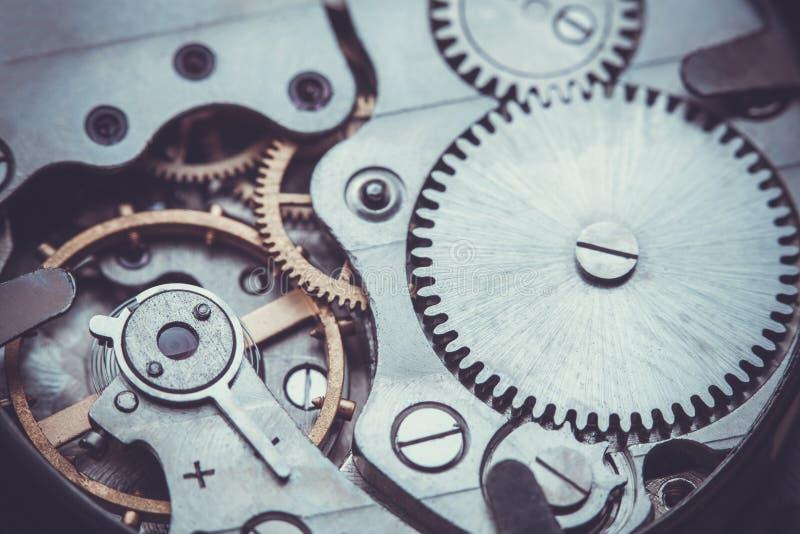 clockwork Close-up do mecanismo velho do relógio de pulso de disparo foto de stock royalty free