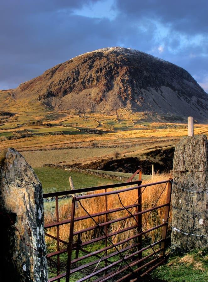 Clogwyn Candryll over Cwm Teigl stock foto's