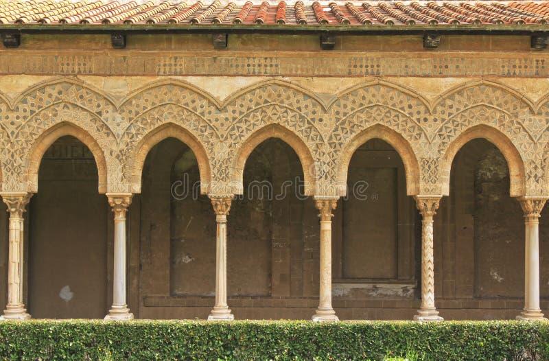 cloistermonreale arkivfoto