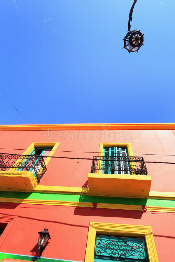 Cloloured house of La Boca and streetlamp royalty free stock photos