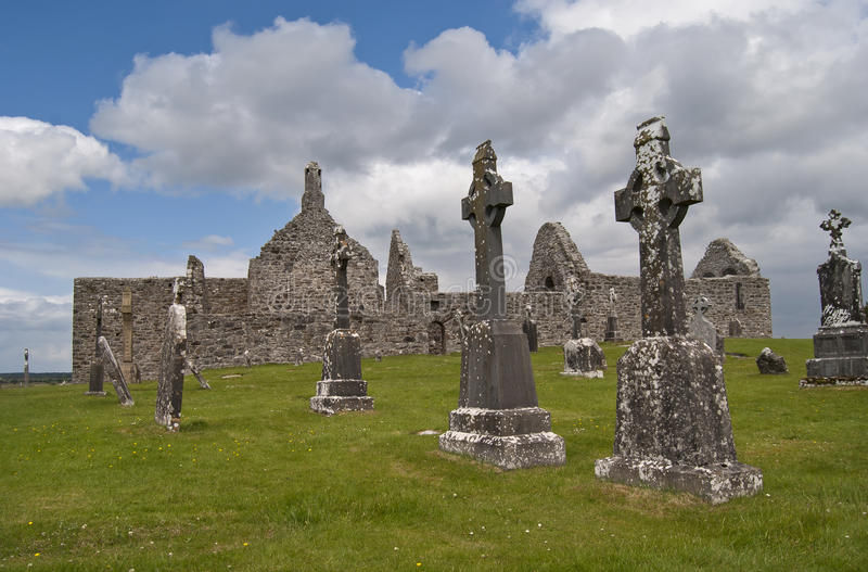 Download Clonmacnoise stock photo. Image of shannon, settlement - 20069946