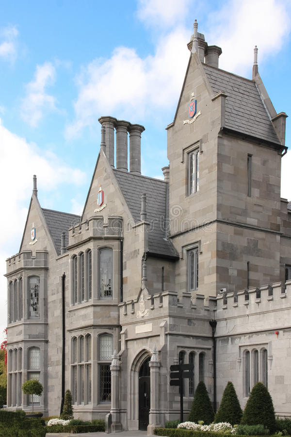 Clontarf Castle. Κυρία είσοδος. Δουβλίνο. Ιρλανδία στοκ εικόνες