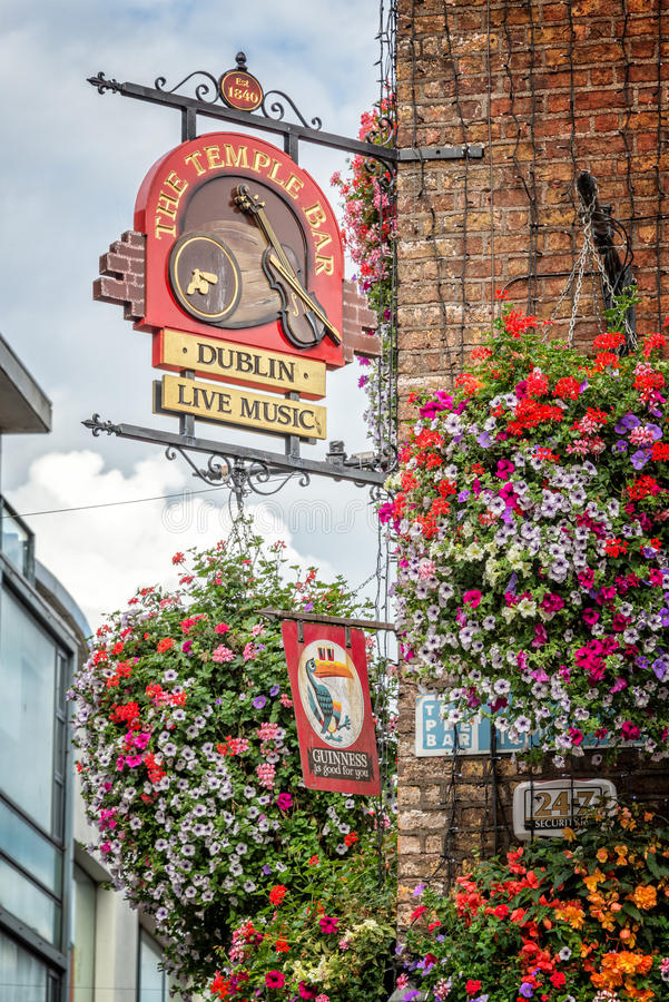 Close of the sign of the famous Temple Bar, in Dublin Ireland stock photography