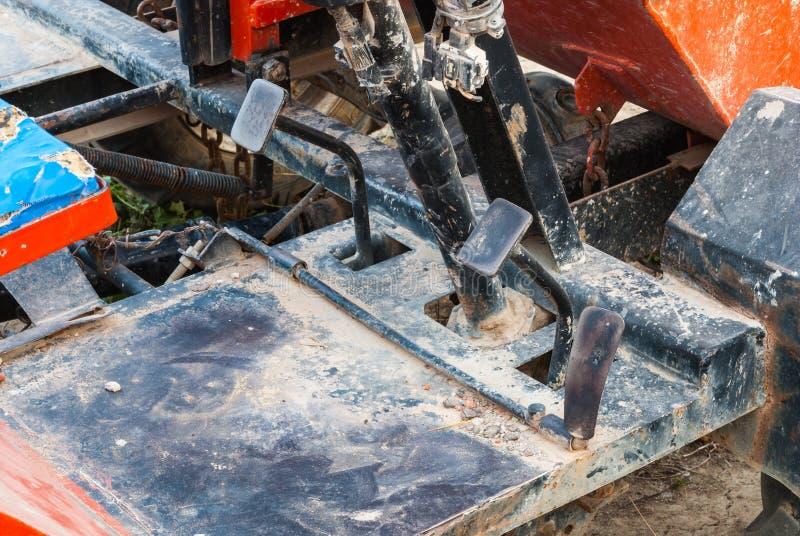 Close-up aan Pedaal van de Metaal het Vuile Controle van Tractor stock foto