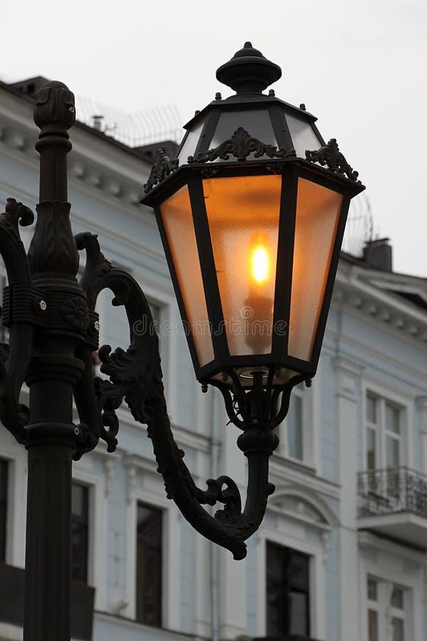 Alight street lamp