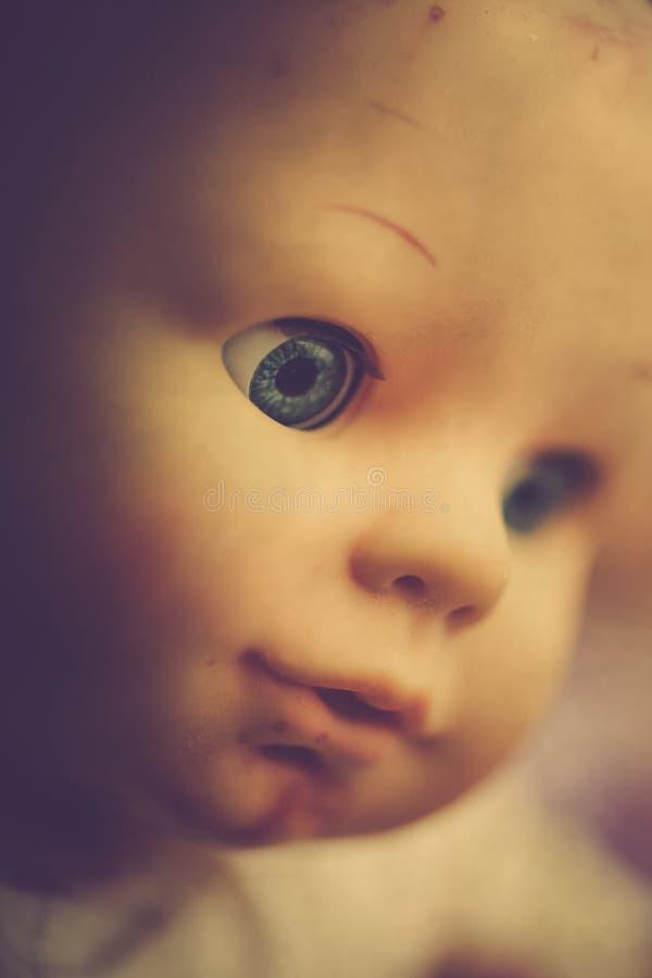 Close up assustador da boneca fotografia de stock royalty free