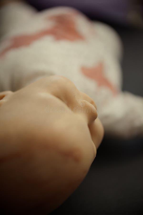 Close up assustador da boneca imagens de stock