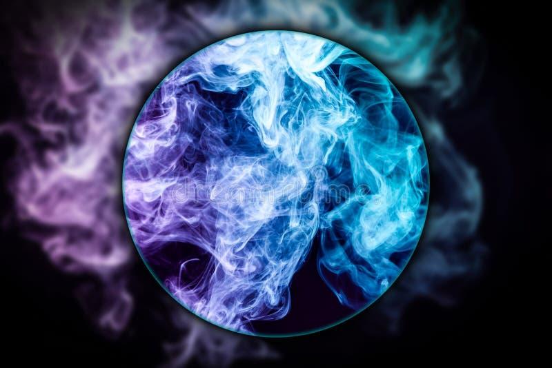 Close-up bevroren abstracte beweging van explosierook royalty-vrije illustratie