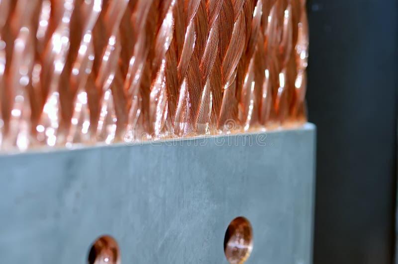 Close-up bonde de cobre da barra do ônibus fotos de stock