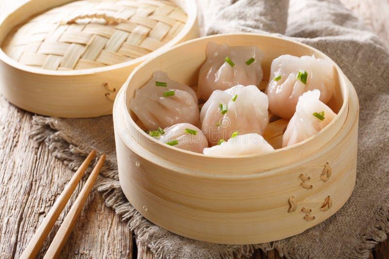 Close-up cozinhado do dim sum das bolinhas de massa do camarão horizontal fotos de stock royalty free