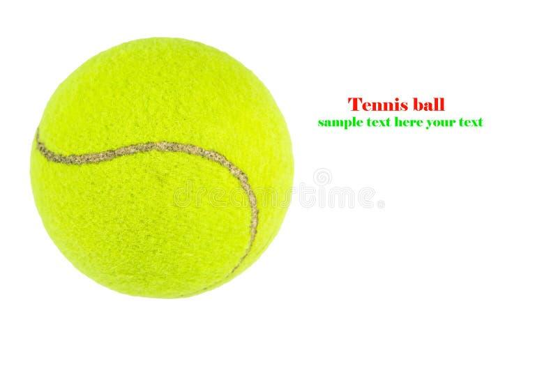 Close up da bola de tênis isolado no fundo branco fotos de stock royalty free