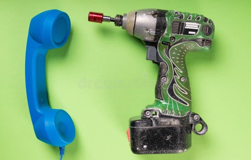 Close-up da broca e do receptor de telefone azul grande fotografia de stock royalty free
