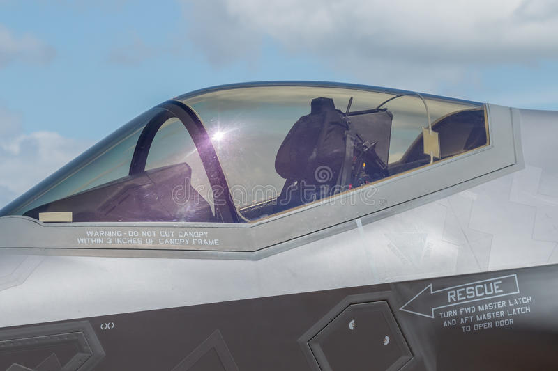 Close up da cabina do piloto do relâmpago 2 de  F-35 fotografia de stock