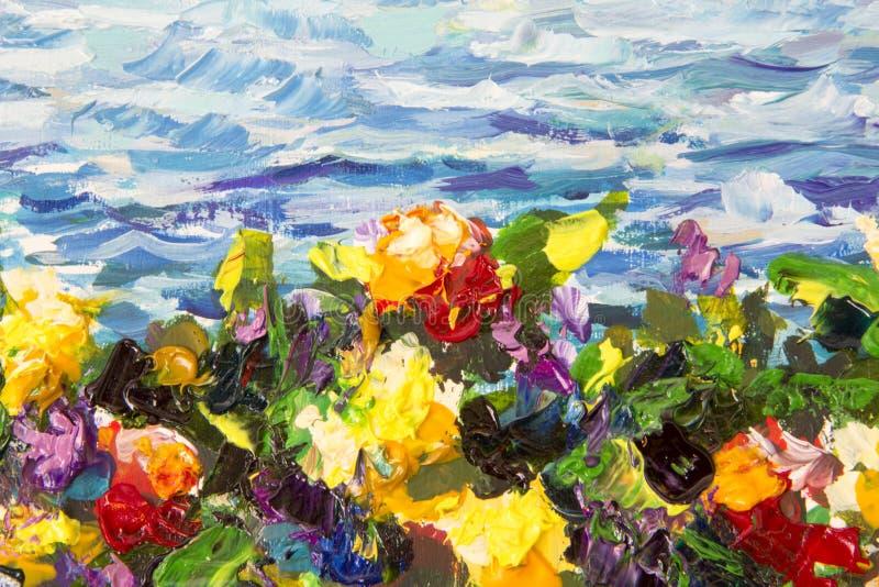 Close-up da faca da pintura a óleo e de paleta As flores violetas vermelhas amarelas em uma grama verde contra um fundo do mar az foto de stock royalty free