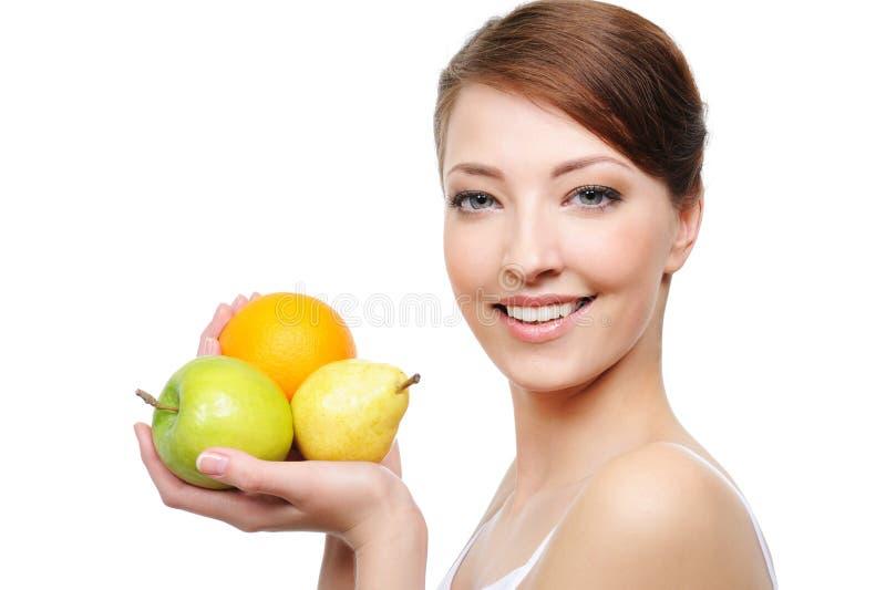 Close-up da face da mulher com frutas fotos de stock royalty free