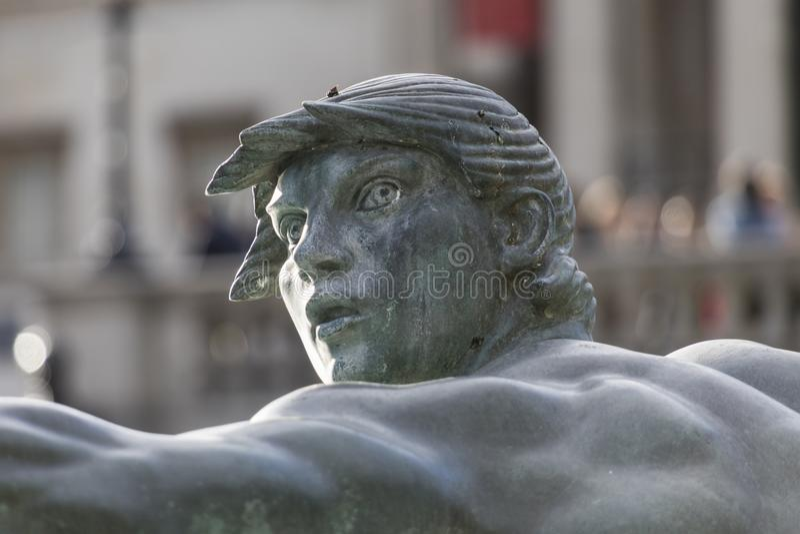 Close-up da fonte de Trafalgar Square de uma sereia fotografia de stock royalty free