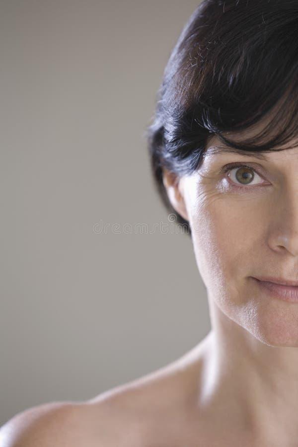 Close up da mulher colhida foto de stock royalty free