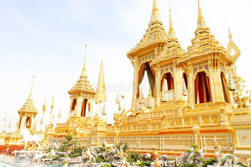 Close up da opinião bonita do ouro o crematório real para o HM o rei atrasado Bhumibol Adulyadej no 4 de novembro de 2017 fotografia de stock