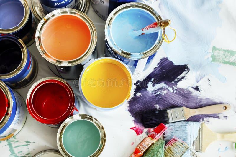Close up da renovação da pintura de casa imagens de stock