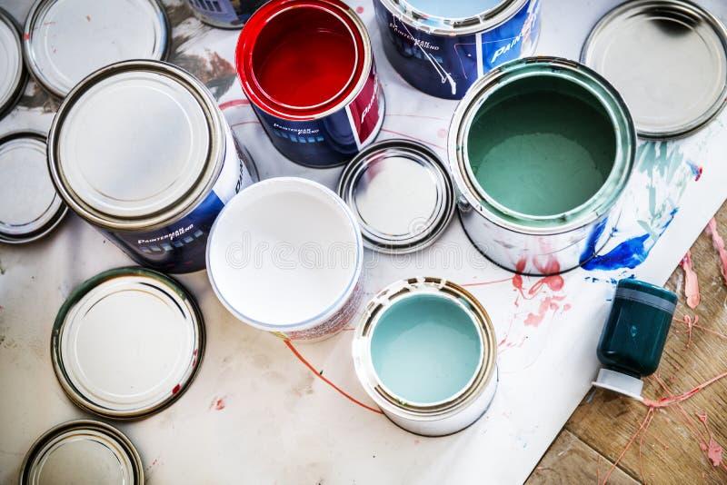 Close up da renovação da pintura de casa foto de stock