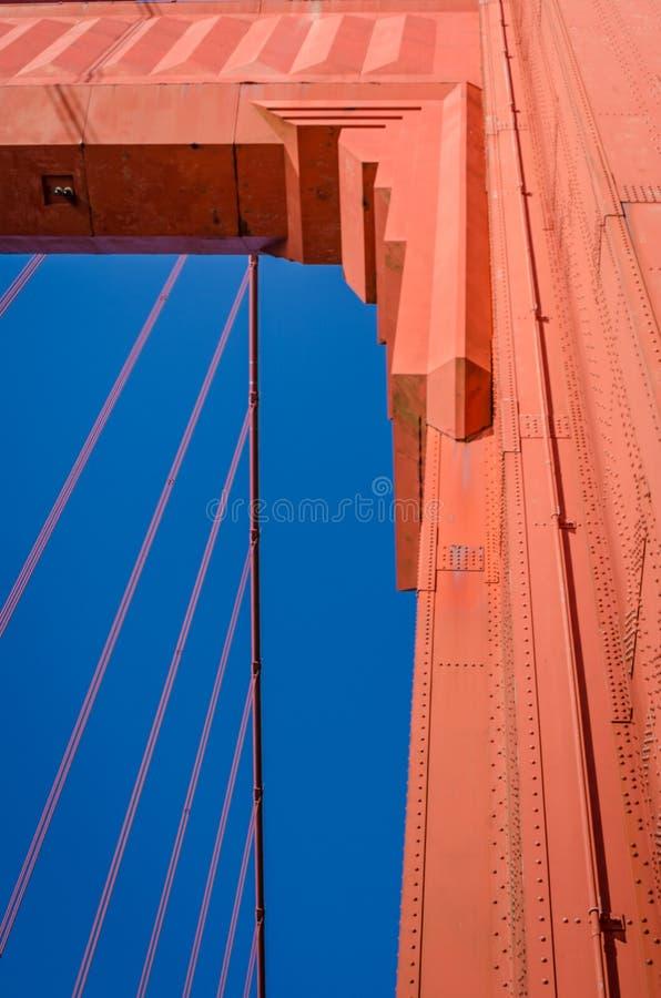 Close-up da torre sul de golden gate bridge em San Francisco fotos de stock royalty free