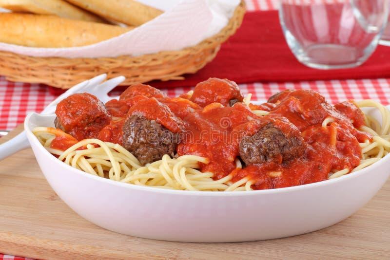 Close up das esferas do espaguete e de carne fotos de stock royalty free