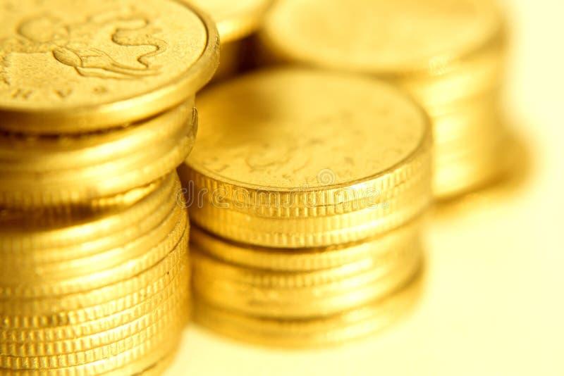 Close-up das moedas de ouro imagens de stock