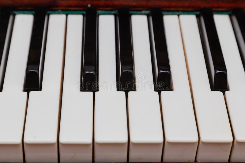 Close-up de chaves do piano vista frontal próxima fotos de stock royalty free